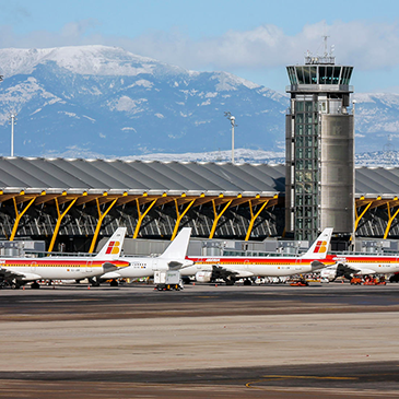 """Madrid airport coiling units equipped with our Intelligent Adiabatic Pre Cooling System """"Smart Cooling ™"""""""